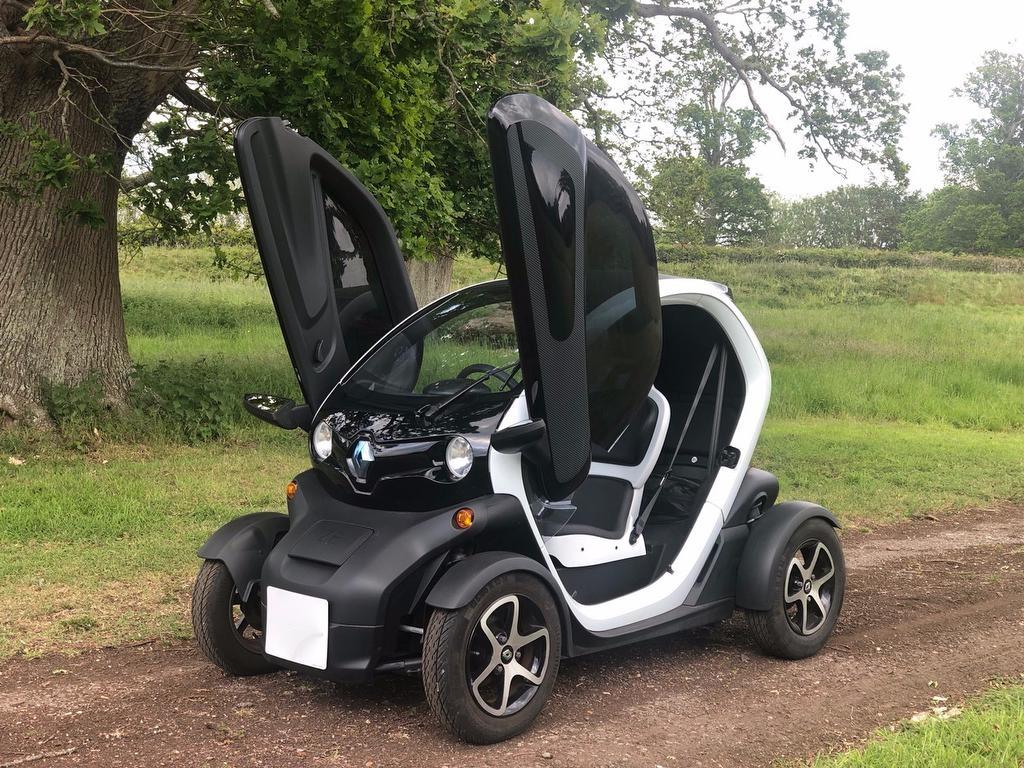 Renault Twizy E Technic 2dr Black & White